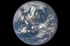 Primera foto de la Tierra a 1,5 millones de kilómetros