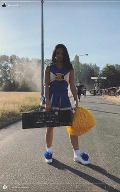 Camila Mendes as Veronica Lodge Riverdale Veronica, Riverdale Cw, Riverdale Archie, Riverdale Aesthetic, Riverdale Funny, Riverdale Memes, Riverdale Betty, Betty Cooper, Vanessa Morgan
