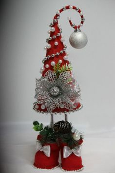 My granddaughter loves to organize my sewing pins in my little lady pin cushion.Christmas Crafts Santa hat with elf legs looks like it stands on its own.OOAK Christmas Tree - picture only b Noel Christmas, All Things Christmas, Christmas Wreaths, Christmas Bulbs, Christmas Projects, Holiday Crafts, Christmas Inspiration, Xmas Decorations, Xmas Tree