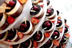 Savory magic cake with roasted peppers and tandoori - Clean Eating Snacks Alternative Wedding Cakes, Wedding Cake Alternatives, Cheesecake Wedding Cake, Simple Cheesecake, Summer Wedding Cakes, Salty Cake, Cake Trends, Mini Cheesecakes, Chocolate Cheesecake