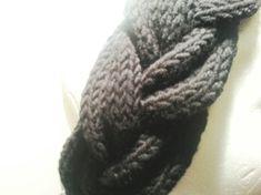 Knitted Headband, Knot Headband, Knitted Hats, Knitting Patterns Free, Free Knitting, Big Knit Blanket, Big Knits, Knit Pillow, Crochet Slippers