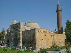 Cacabey medresesi/Kırşehir/// Cacabey Medresesi, diğer Anadolu Selçuklu medreseleri ile birlikte 2014 yılında UNESCO Dünya Mirası Geçici Listesine dahil edilmiştir.