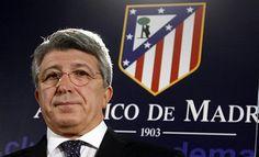 """เอ็นริเก้ เซเรโซ่ / Enrique Cerezo แอตเลติโก้ มาดริด ถูกจับสลากมาเจอกับทีมเต็งหนึ่งอย่าง ยูเวนตุส ในรอบ 16 ทีมสุดท้ายของศึก ยูฟ่า แชมเปี้ยนส์ ลีก พวกเขาเคยเจอกันมาแล้วในรอบแบ่งกลุ่มฤดูกาล 2014/15 ซึ่ง แอตฯ มาดริด เป็นแชมป์กลุ่ม ส่วน ยูเวนตุส เป็นเพียงรองแชมป์กลุ่ม นั่นทำให้ เซเรโซ่ มั่นใจว่า """"นี่ไม่ใช่ครั้งแรกที่เราเจอกับพวกเขา(ยูเวนตุส) เราเคยเอาชนะพวกเขามาแล้ว เราทุ่มเต็มที่แน่เพราะนัดชิงชนะเลิศจัดที่สนามของเรา"""" Arsenal, Santiago Bernabeu, Champions, Real Madrid, How To Start A Blog, Like4like, Football, Baseball Cards, Sport"""