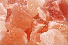 A himalája só hatása a pajzsmirigy betegségekre...... Az emberek többsége nem is tudja, hogy az asztali sót kb. 650 C fokon szárítják.
