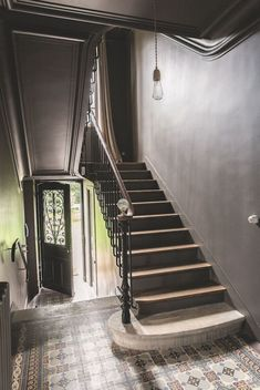 The magical universe of an original French house Entry Stairs, Entry Hallway, House Stairs, Victorian Stairs, Dark Walls, French Country Cottage, Staircase Design, Stairways, Home Deco