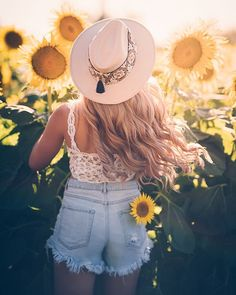 Sunflower Party, Look At You, Cowboy Hats, Instagram, Fashion, Positive Vibes, Sunflowers, Moda, Fashion Styles