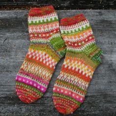 Karkkipäivän sukat