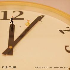 Cinderella by Tanaka Tatsuya Micro Photography, Miniature Photography, Toys Photography, Whatsapp Dp, Macro Fotografie, Miniature Calendar, Creation Photo, Typography Poster Design, Tiny World
