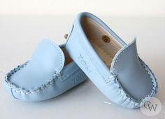 Christening Wardrobe - Blue Moccasin by Le Petit Tom, $44.99 (www.christeningwa...) Baby Boy Baptism Outfit, Baby Boy Christening, Baby Boy Outfits, Christening Outfit, Cute Baby Shoes, Baby Boy Shoes, Italian Baby, Baby Dedication, Baby Moccasins