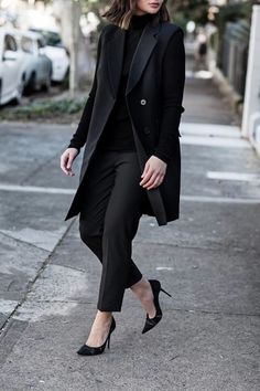 Looks total black, fall outfits, blazer outfits, blazer fashion, work outfi Classy Outfits, Stylish Outfits, Fall Outfits, Sweater Outfits, Turtleneck Outfit Work, Turtleneck Style, Blazer Outfits, Girly Outfits, Comfortable Outfits
