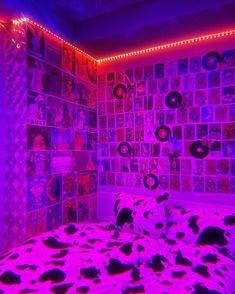 Neon Bedroom, Indie Bedroom, Indie Room Decor, Cute Bedroom Decor, Room Design Bedroom, Teen Room Decor, Room Ideas Bedroom, Bedroom Inspo, Hippie Bedroom Decor