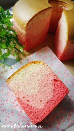 MiMi Bakery House: Strawberry Yogurt Chiffon Cake [15 Feb 2016]