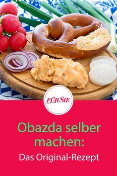 Die bayerische Käsecreme wird nicht nur traditionell zur Brotzeit gegessen, sondern ist auch ein klassisches Biergarten-Gericht zu Brezel, Rettich, Radieschen und Bier. Natürlich gibt's hier auch das Rezept! #Weißwurst #weißwurstfrühstück #brotzeit #brezn #Brezel #brezn #bayerischerezepte #bayerischeküche #alpenküche #oktoberfest #biergarten #biergartengerichte #fuersiemagazin Hamburger, Dips, Cereal, Food And Drink, Breakfast, Health, Fondue, Pesto, Healthy Foods