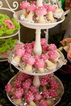 Alice in Wonderland Mushroom Cupcakes