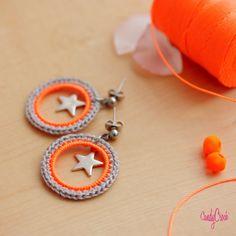 Boucles d'oreille pour fille orange fluo & étoile argent // Boucles pour enfant // Bijou pour fille // Boucles fluo pour fille // Bijou ado - par CandyCroch