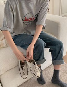 Image in fashion inspo. collection by 清秀 on We Heart It Korean Aesthetic, Aesthetic Fashion, Leather Crop Top, Clothing Photography, Comfy Casual, Look Cool, Dress To Impress, Korean Fashion, Style Me