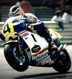 ♡♡♡freddie spencer Motorcycle Racers, Racing Motorcycles, Valentino Rossi, Freddie Spencer, Honda Bikes, Off Road Racing, Grand Prix, Bikers, Engine