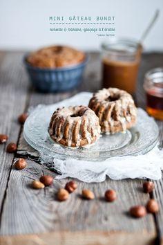 Gâteau Bundt noisette & banane, glaçé à l'érable/ Bundt cake hazelnut & banana, maple glaze. emiliemurmure.com