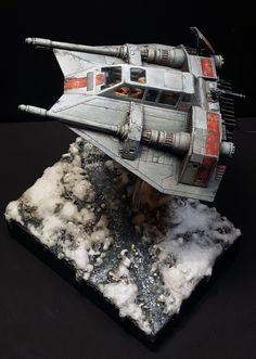 Snowspeeder Star Wars by Josu Araiztegi (Noblez) · Putty&Paint Star Wars Ships, Star Wars Art, At At Walker, Sf Movies, Star Wars Vehicles, Star Wars Models, Sci Fi Models, Star Wars Comics, Modeling Techniques