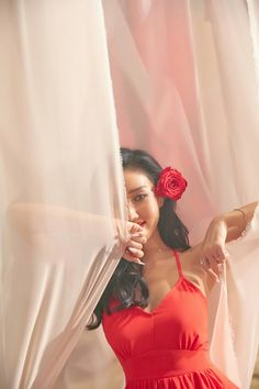 Find images and videos about kpop, mamamoo and hwasa on We Heart It - the app to get lost in what you love. Kpop Girl Groups, Korean Girl Groups, Kpop Girls, Namjin, Jeonju, Solar Mamamoo, Red Moon, K Pop, Me As A Girlfriend
