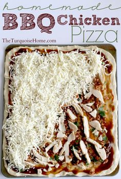 Homemade BBQ Chicken Pizza {Easy meal that the whole family will love! Choose whatever toppings you like!} - Popular Pin for quick and easy recipes! I Love Food, Good Food, Yummy Food, Empanadas, Great Recipes, Favorite Recipes, Easy Recipes, Oven Recipes, Noodle Recipes