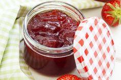 """750g vous propose la recette """"Confiture de fraises"""" publiée par 750 grammes."""