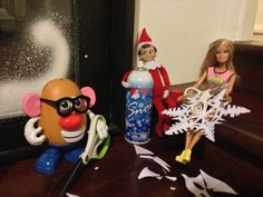 Elf on the shelf teen edition - Snowflakes.