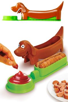 Hot Dog Slice And Serve Cutter: Cut Small Pieces In An Instant. A Dog-Shaped Slicer And Serving Tray.