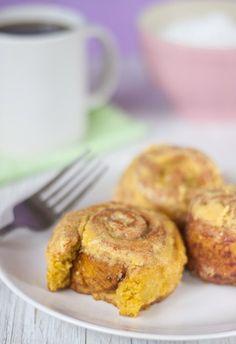 Pumpkin Cinnamon Rolls à la @allysonkramer  (gf, vegan).
