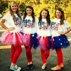 Halloween is best enjoyed with BFFs. Therefore, check out some of the best Halloween costumes for BFFs and make your Halloween something you can remember. Homecoming Themes, Homecoming Spirit Week, Homecoming Dresses, Halloween Costumes For Bffs, Cool Costumes, Patriotic Costumes, Group Halloween, Costume Ideas, Spirt Week Ideas