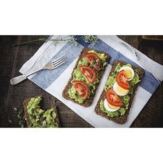 Lunch anyone? Tomato, Egg and Avocado on Toasted Rye Bread.  Add 2 tablespoons of Udo's Oil Blend to finish off #lunch #healthyeating #food #foodporn #tomatoes #avocado #egg #protein #udosoil #recipe #lunchtime #lunchideas #goodfats #omega3s #healthyfood