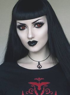 Forget The Stores, Try These Gothic Shopping Tips Makeup Gothic, Goth Makeup, Dark Makeup, Gothic Looks, Dark Gothic, Goth Beauty, Dark Beauty, Punk Fashion, Gothic Fashion