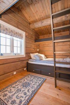Vegglifjell byr på det du ønsker deg når norsk vinter setter inn! Vegglifjell med over 1.600 hytter bygget gjennom flere tidsepoker fremstår i dag som et moderne og fremadstormende feriested for fjellglade turister. Med kort vei fra Larvik, Tønsberg, Drammen og Oslo, når du høyfjellets tilbud på ca. 2 timer. Dagens 90 km velpreparerte skiløyper, skisenteret for alpint/snowboard, kite-områder og...
