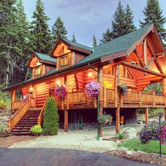 Custom log home constructed by North American Log Crafters of Scotch B.C.