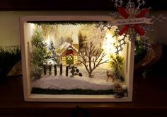 Christmas Decorations Dioramas Shadowboxes by CleanDesignCreations Christmas Scenes, Noel Christmas, Vintage Christmas, Woodland Christmas, Shadow Box Kunst, Shadow Box Art, Christmas Projects, Christmas Crafts, Christmas Ornaments