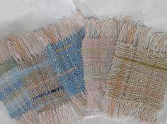 綿の色糸を多色使いしています。10cm角のコースター5枚一組です。草木染め色青と水色:藍生葉染め濃紺:藍染黄緑:藍生葉とカモミール染めピンク:ケヤキの酸化染茶... ハンドメイド、手作り、手仕事品の通販・販売・購入ならCreema。
