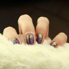 Gold glitter on rich purple 💅🕒🎄 #292 #lightgrape #goldglitter #kikoswatch #swatch #kikolove #nailart #simplenailart #easynailart #nailsoclock #nailpics #nailstagram #nailobsession #instanails #nailpolish #christmasnails