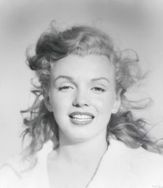 Marilyn Monroe http://www.julienslive.com/view-auctions/catalog/id/55/lot/18242/