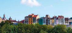 Foto desde la Rochapea se ve Caballo Blanco, murallas, mirador de Pamplona - Iruñea | Recuperada de www.bed4uhotels.com