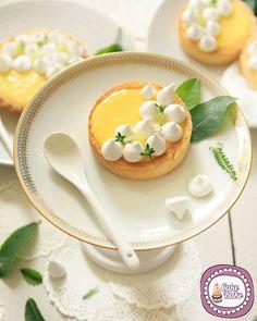 http://blog.giallozafferano.it/icakebake/tartellette-al-limone-e-meringhe/