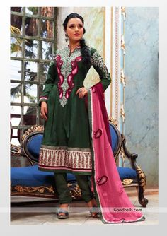 Beautiful green salwar kameez adored with thread embroidery. Heavy embroidered neck pattern is enhancing its richness. Best suitable for semi-formal parties. http://goodbells.com/salwar-suits/beautiful-green-salwar-kameez.html
