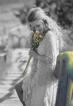 Splash Photography, Girl Photography Poses, Artistic Photography, Color Photography, Amazing Photography, Photo Black, Black White Photos, Black And White Colour, Divas