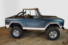 The Gateway Bronco Restomod Fuelie is powered by a 347 Stroker engine with Electronic Fuel Injection. A automatic transmission shifts the Bronco. Ford Bronco Lifted, Ford Bronco For Sale, Bronco Truck, Ford Pickup Trucks, Chevrolet Trucks, 1957 Chevrolet, 4x4 Trucks, Diesel Trucks, Chevrolet Impala