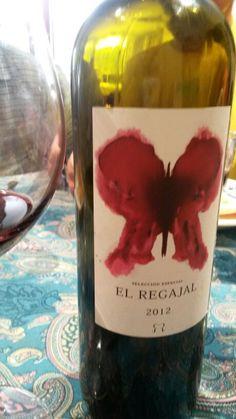 El Regajal 2012 Vendimia Seleccionada. Enjoyable Spanish wine from D.O. Vinos de Madrid made with cabernet sauvignon, merlot, syrah and petit verdot grapes.