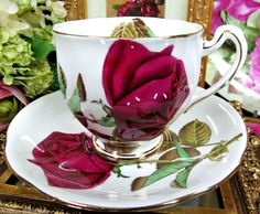 ROYAL STANDARD TEA CUP AND SAUCER ENGLISH ROSE DEEP RED PATTERN TEACUP