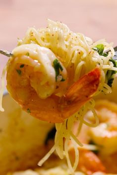 Brown-Butter Shrimp INGREDIENTS  4 tbsp. unsalted butter 1 lb. shrimp kosher salt Freshly ground black pepper 2 cloves garlic, minced 1 lemon, juice and zest 2 c. baby spinach 2 tbsp. chopped parsley 3/4 lb. cooked angel hair pasta