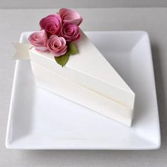 New! PAPER Cream cake slice favor box with blossom and fuchsia flowers