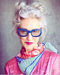 Stylist Linda Rodin Has A Passion For Denim Older Women Fashion, Over 50 Womens Fashion, Denim Fashion, Look Fashion, Fashion Tips, 2000s Fashion, Fashion Today, Fashion Images, Fast Fashion