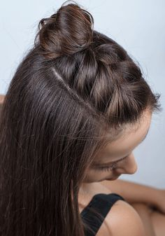 Freshen up your look with this adorable hal… Super cute easy half braid tutorial. Freshen up your look with this adorable half braid Half Braided Hairstyles, Braided Hairstyles Tutorials, Hairstyle Ideas, Braid Tutorials, Casual Hairstyles, Hairstyle For Women, Long Brown Hairstyles, Hairstyles With Braids, Festival Hairstyles