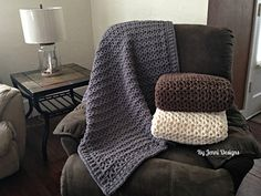 Jenni's Favorite Chunky Throw Blanket--free pattern--super bulky yarn